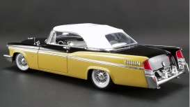 Chrysler  - New Yorker  convertible 1956 nugget gold/black - 1:18 - Acme Diecast - 1809004 - acme1809004 | Tom's Modelauto's