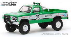 GMC  - K-2500 1981 green - 1:64 - GreenLight - 30102 - gl30102 | Tom's Modelauto's