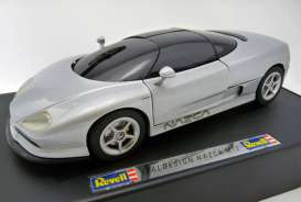Italdesign  - grey - 1:18 - Revell - Germany - 08812 - NOS-revell08812 | Tom's Modelauto's