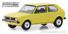 Volkswagen  - Golf Mk1 1974 yellow - 1:64 - GreenLight - 28000C - gl28000C | Tom's Modelauto's