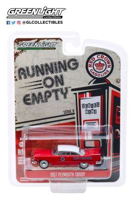 Plymouth  - Savoy 1957 red/white - 1:64 - GreenLight - 41090A - gl41090A | Tom's Modelauto's