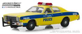 Plymouth  - Fury 1977 yellow/blue - 1:43 - GreenLight - 86568 - gl86568 | Tom's Modelauto's