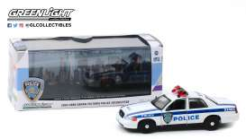 Ford  - Crown Victoria 2003 white/blue - 1:43 - GreenLight - 86569 - gl86569 | Toms Modelautos