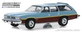 Pontiac  - LeMans Safari 1977 blue-brown - 1:64 - GreenLight - 29970D - gl29970D | Tom's Modelauto's