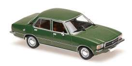 Opel  - Rekord D 1975 dark green - 1:43 - Maxichamps - 940044001 - mc940044001 | Tom's Modelauto's