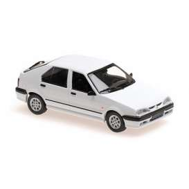 Renault  - 19 1995 white - 1:43 - Maxichamps - 940113700 - mc940113700 | Toms Modelautos