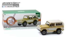 Ford  - Bronco 1976 gold/creme - 1:18 - GreenLight - 19071 - gl19071 | Toms Modelautos