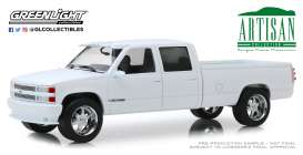 Chevrolet  - 3500 1997 white - 1:18 - GreenLight - 19072 - gl19072 | Tom's Modelauto's