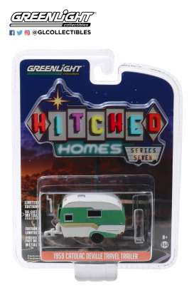 Catolac DeVille Travel Trailer  - 1959 white/green - 1:64 - GreenLight - 34070A - gl34070A | Toms Modelautos