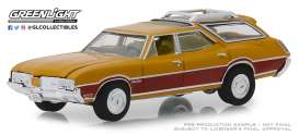 Oldsmobile  - Vista Cruiser 1970 nugget gold/wood - 1:64 - GreenLight - 29950C - gl29950C-GM | Tom's Modelauto's