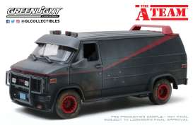 GMC  - Vandura 1983 grey/black - 1:18 - GreenLight - 13567 - gl13567 | Toms Modelautos