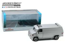 GMC  - Vandura 1983 silver - 1:18 - GreenLight - 13568 - gl13568 | Tom's Modelauto's