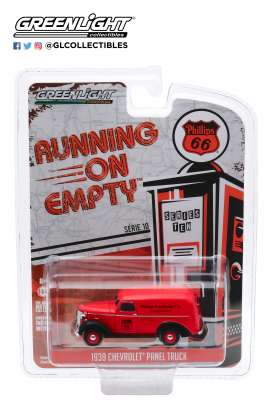 Chevrolet  - Panel Truck 1939 red/black - 1:64 - GreenLight - 41100A - gl41100A | Toms Modelautos