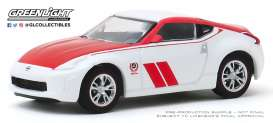 Nissan  - 370Z 2020 white/red - 1:64 - GreenLight - 47060F - gl47060F | Toms Modelautos