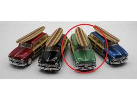 Ford  - Woody Wagon  1949 green - 1:36 - Kinsmart - 5402DS - KT5402DSgn | Toms Modelautos