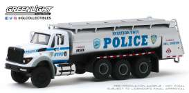 International  - WorkStar Tanker Truck 2018 white/grey/blue - 1:64 - GreenLight - 45090A - gl45090A | Toms Modelautos