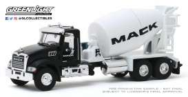 Mack  - Granite 2019 white/black - 1:64 - GreenLight - 45090B - gl45090B | Tom's Modelauto's