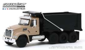Mack  - Granite 2019 bronze/black - 1:64 - GreenLight - 45090C - gl45090C | Toms Modelautos
