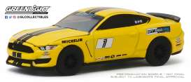 Ford  - Mustang 2018 yellow - 1:64 - GreenLight - 30134 - gl30134 | Toms Modelautos