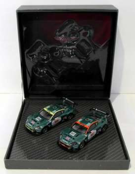 Aston Martin  - DBR9 #007 & #009 2006 british racing green - 1:43 - IXO Models - A01MC2 - ixoA01MC2 | Tom's Modelauto's