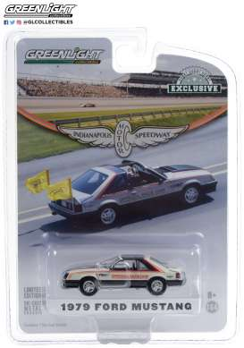 Ford  - Mustang 1979 white/black - 1:64 - GreenLight - 30166 - gl30166 | Toms Modelautos