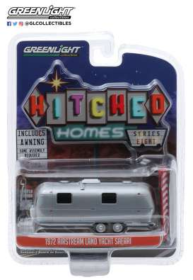 Airstream  - 1972 silver/red/white - 1:64 - GreenLight - 34080D - gl34080D | Toms Modelautos