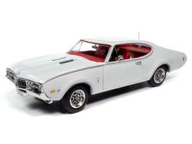 Oldsmobile  - Cutlass 1968 white - 1:18 - Auto World - AMM1208 - AMM1208 | Toms Modelautos