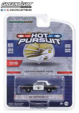 Ford  - Mustang 1982 black/white - 1:64 - GreenLight - 42930C - gl42930C | Toms Modelautos