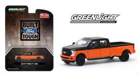 Ford  - F-350 orange/black - 1:64 - GreenLight - 51318 - gl51318 | Toms Modelautos