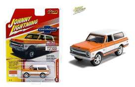 Chevrolet  - Blazer orange/white - 1:64 - Johnny Lightning - cp7312 - jlcp7312 | Toms Modelautos
