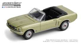Ford  - Mustang 1967 gold - 1:64 - GreenLight - 30215 - gl30215 | Toms Modelautos