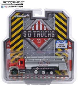 International  - WorkStar Tanker Truck 2018 red/grey - 1:64 - GreenLight - 45110A - gl45110A | Toms Modelautos