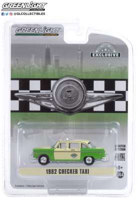 Checker  - 1982 creme/green - 1:64 - GreenLight - 30208 - gl30208 | Toms Modelautos
