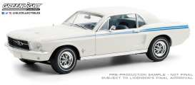 Ford  - Mustang white - 1:18 - GreenLight - 13584 - gl13584 | Toms Modelautos