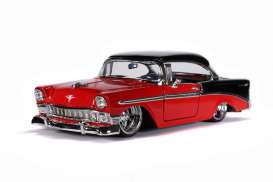 Chevrolet  - Bel Air Hard Top 1956 red/black - 1:24 - Jada Toys - 31861 - jada31861 | Toms Modelautos