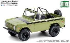 Ford  - Bronco 1975 green - 1:18 - GreenLight - 19100 - gl19100 | Toms Modelautos
