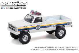 Chevrolet  - M1008 1986 white/blue - 1:64 - GreenLight - 30241 - gl30241 | Toms Modelautos