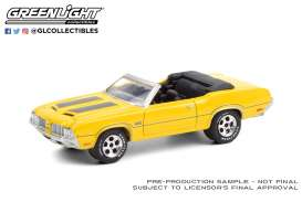 Oldsmobile  - 442 1970 yellow/black - 1:64 - GreenLight - 37220C - gl37220C | Toms Modelautos