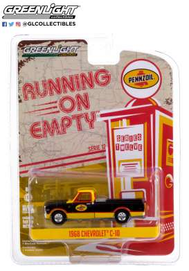 Chevrolet  - C-10 1968 black/yellow - 1:64 - GreenLight - 41120D - gl41120D | Toms Modelautos