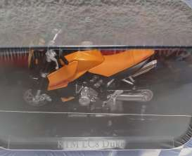 KTM  - LC8 orange/black - 1:24 - Magazine Models - 4110108 - mag4110108 | Toms Modelautos