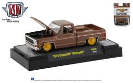Chevrolet  - Silverado square body 1975 brown/yellow - 1:64 - M2 Machines - 32500MJS29 - M2-32500MJS29 | Toms Modelautos