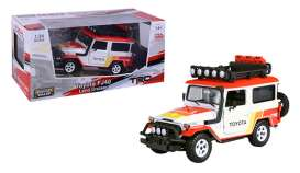 Toyota  - FJ40 1974 white/red/orange - 1:24 - Motor Max - 79137TRD - mmax79137TRD | Toms Modelautos