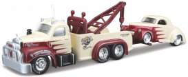 Mack Willys - 1953 red/creme - 1:64 - Maisto - 15055-05 - mai15055-05 | Toms Modelautos