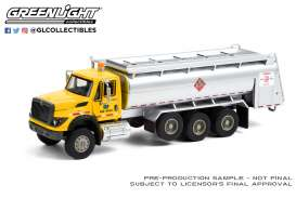 International  - WorkStar Tanker Truck 2018 yellow/blue - 1:64 - GreenLight - 45120A - gl45120A | Toms Modelautos