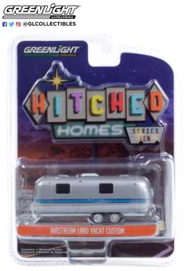 Airstream  - Double-Axle 1971 silver/blue - 1:64 - GreenLight - 34100A - gl34100A | Toms Modelautos