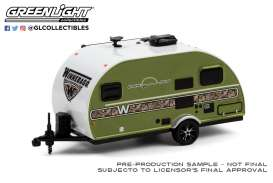 Winnebago  - Winnie Drop 1972 camouflage green - 1:64 - GreenLight - 34100C - gl34100C | Toms Modelautos