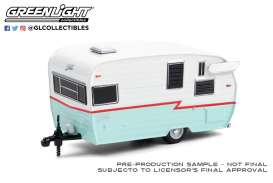Shasta  - Airflyte 1972 white/red/teal - 1:64 - GreenLight - 34100E - gl34100E | Toms Modelautos