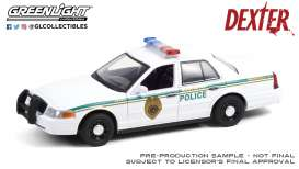 Ford  - Crown Victoria 2001 white - 1:24 - GreenLight - 84133 - gl84133 | Toms Modelautos