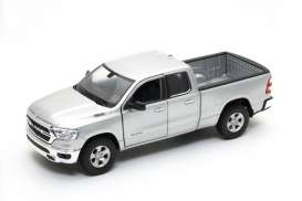 Ram  - 1500 2019 silver - 1:24 - Welly - 24104 - welly24104s | Toms Modelautos