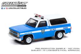 Chevrolet  - K-5 Blazer 1985 white/blue - 1:64 - GreenLight - 30245 - gl30245 | Toms Modelautos